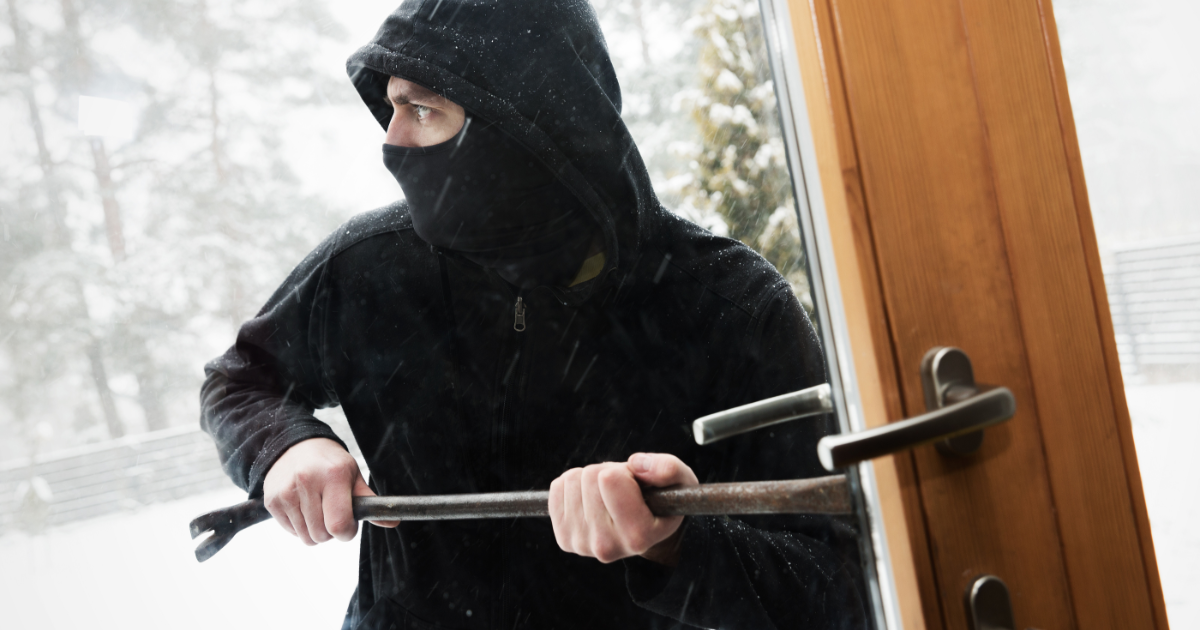 Burglars in Winter